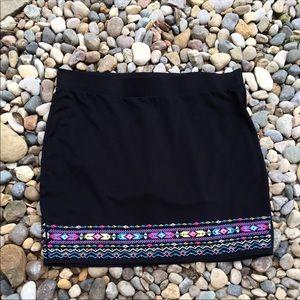 Torrid Black Embroidered Pull-on Skirt Size 3